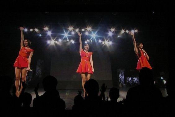 ナタリー - Perfume初の海外ツアー、フィナーレを約3万人が目撃