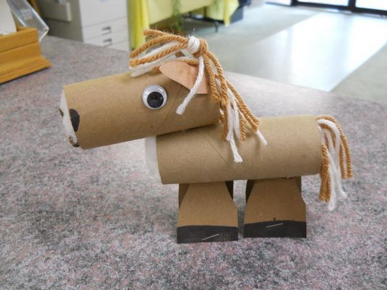 Homemade Horse - 60 Homemade Animal Themed Toilet Paper Roll Crafts, http://hative.com/homemade-animal-toilet-paper-roll-crafts/,