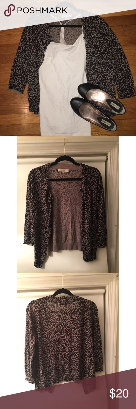Medium Anne Taylor Loft Leopard Print Cardigan I loved this leopard print Cardigan, but a medium is just too smug for me! 🌻 gently used Ann Taylor Loft Sweaters Cardigans