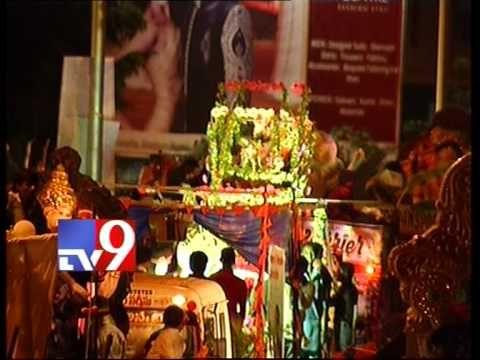 Ganesh idols gearing up for immersion at Hussain Sagar