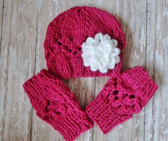 Baby Beanies Set Hat and Legwarmers Newborn Baby Beanie and Legwarmers in Dark Pink Newborn Baby Photo Prop