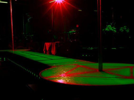 Blitz delle Fiamme Gialle in due night club: lavoratrici in nero titolari nei guai - Mace https://t.co/Hz5Sb0x8ud https://t.co/eznDpimNTi