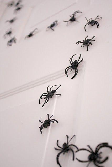 magnet spiders - Delia Creates