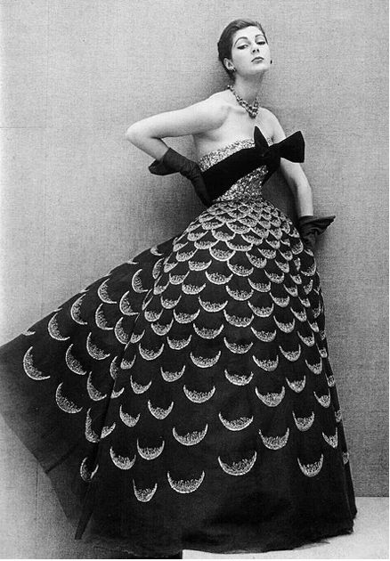 1950s scallop gown.