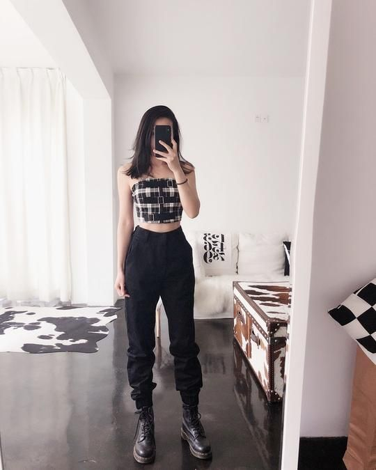 8 Cargo Pants Outfits We're Obsessed With RN