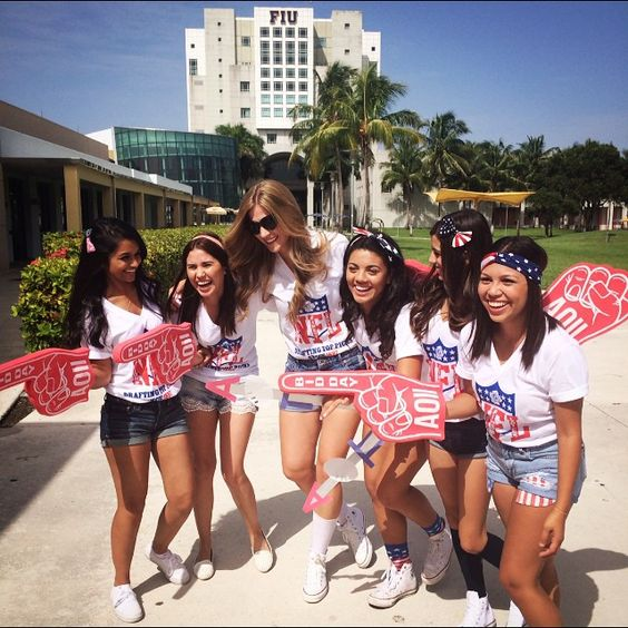 Alpha Omicron Pi at Florida International University #AlphaOmicronPi #AOII #BidDay #sorority #FIU