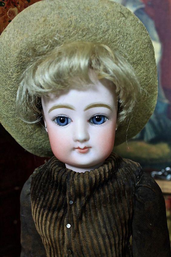 """Rare 11"""" FG Store Mannequin"""