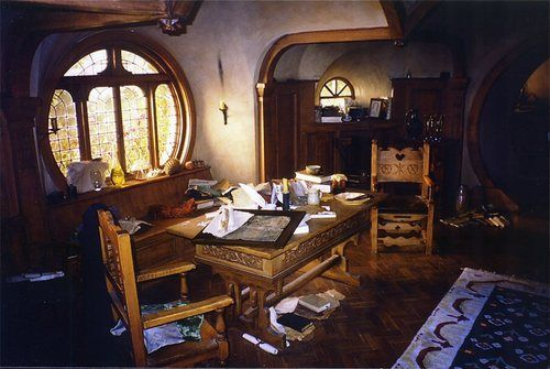 Hobbit Interior Design hobbit hole: this might also be a dining table, but i think it's a