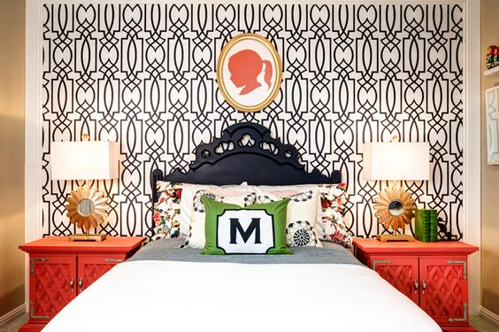 This big girl room is stunning! Love the accent wall, bright side tables and silhouette decor.
