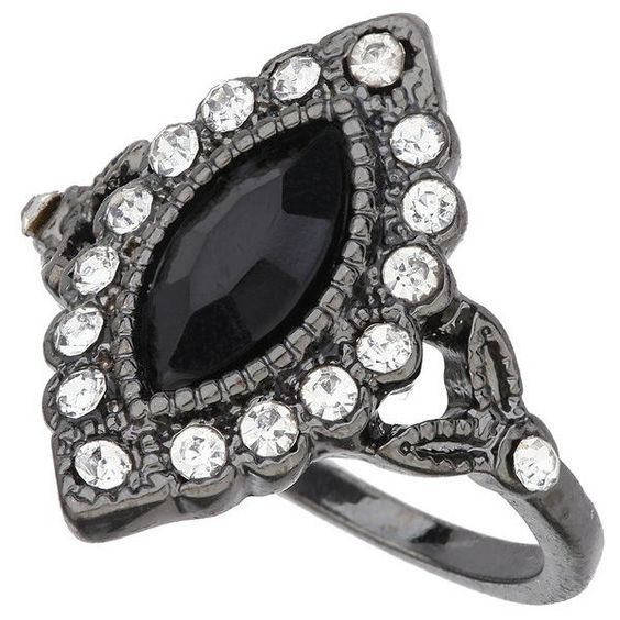 Miss Selfridge Dark Vintage Ring ($8) ❤ liked on Polyvore featuring jewelry, rings, dark jewelry, rhinestone jewelry, dark ring, vintage rings and vintage jewelry