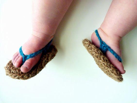 Crochet bebé zapatos, chanclas --- ELIJA SU COLOR - Sandalias del bebé - niño o niña - 0-3 meses, 3-6 meses, 6-12 meses