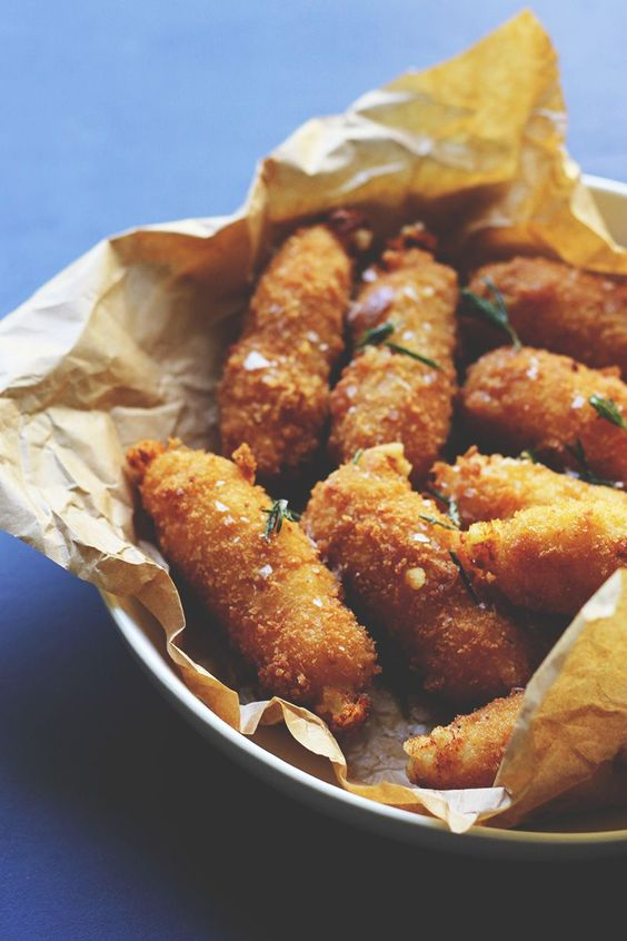 Manchego is one of my favourite cheeses and Manchego Croquetas are life changing sticks of cheesy goodness. Forget mozzarella sticks, you will never look at mozzarella sticks again.