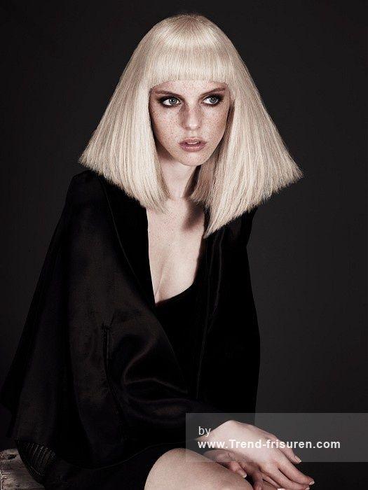 McIntyres Mittel Blonde weiblich Gerade Farbige Platin Weiß Choppy Frauen Haarschnitt Poker-gerade Frisuren Hairstyles