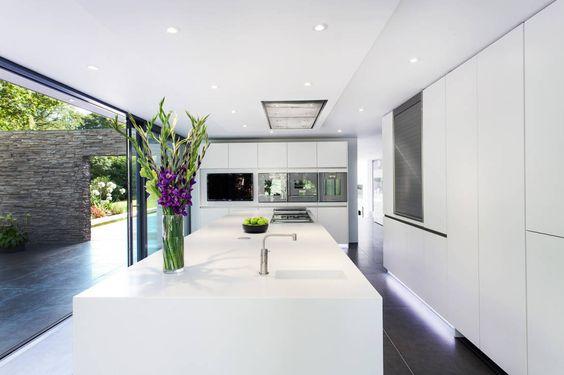 Wohntraum für Puristen Kitchens, Indoor outdoor and Interiors - offene küche wohnzimmer abtrennen