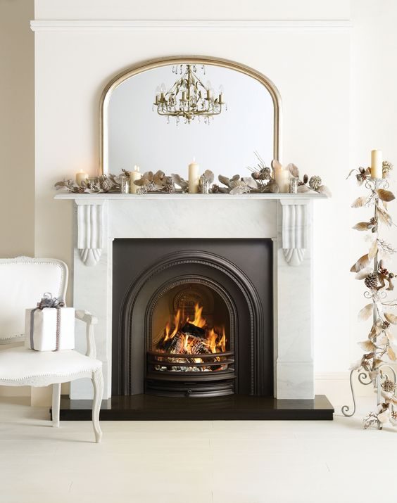 Amazing Christmas fireplace setting - all I want for Christmas!!!: