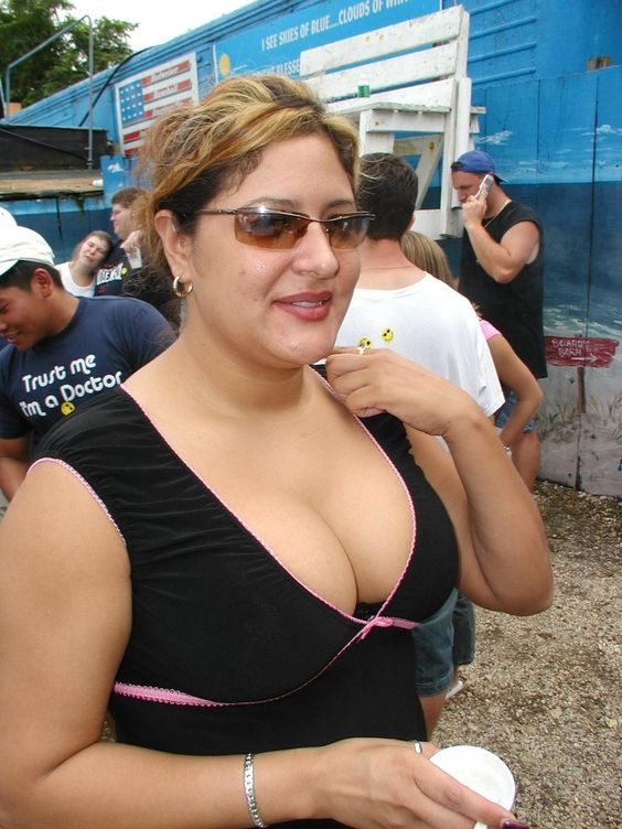 Goa Aunty Bra  Indian Aunty Down Blouse At Goa Beach Big -4047