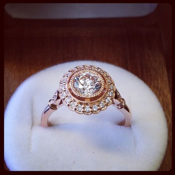 Sometimes it hard to find good gold diamond rings... for me anyway!