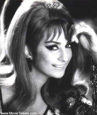 Sayra bano old bollywood actress my country pinterest for Old indian actress photos