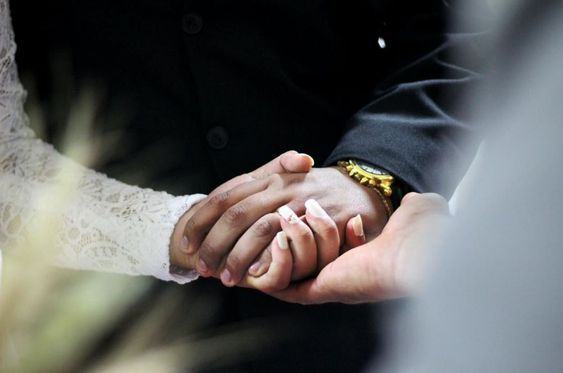 تهنئة بالزواج دعاء تهنئة دعوية للزوجين بالتوفيق والصلاح ألوانز Marriage Books Wedding Speech Marriage