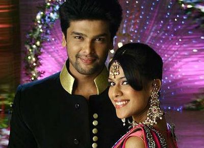 Nia Sharma Dating Kushal Tandon - Bollywood Color