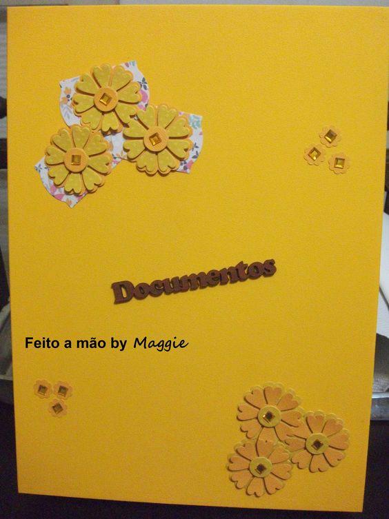 Caixa em MDF para guardar documentos - feminina - decorada com flores e strass