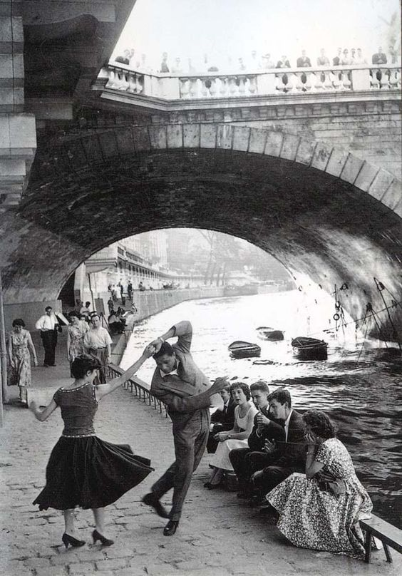 Vintage Parisian Teens – Black and White Photos Documented the Life of Street Youth in Paris during the 1950s
