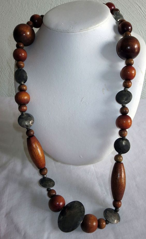 """VINTAGE ESTATE 30"""" WOOD AND HAMMERED SILVERTONE BEADED NECKLACE"""