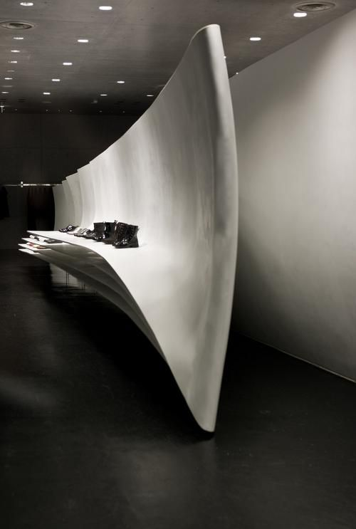 Neil barret store in tokyo by zaha hadid f i t o u t r for Interior design zaha hadid