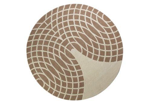 Panton Rug, in braun/sand von Verpan. Design von Verner Panton.