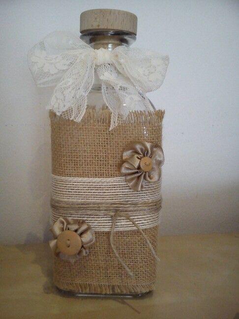 Botella florero decoraci n botella decorada con varios - Decoracion con botellas ...