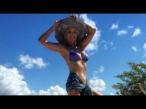 Christie Brinkley Dishes on Her Bikini Body, Gushes Over Sofia Vergara and Joe Manganiello - http://maxblog.com/8779/christie-brinkley-dishes-on-her-bikini-body-gushes-over-sofia-vergara-and-joe-manganiello/