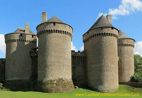 Château de Lassay, Lassay-les-Châteaux, Mayenne, France.... http://www.castlesandmanorhouses.com/photos.htm .... The castrum or castellum, built in the early years of the twelfth century, was probably a motte and bailey castle. It was classified as a monument historique in 1862 and is still a private residence.