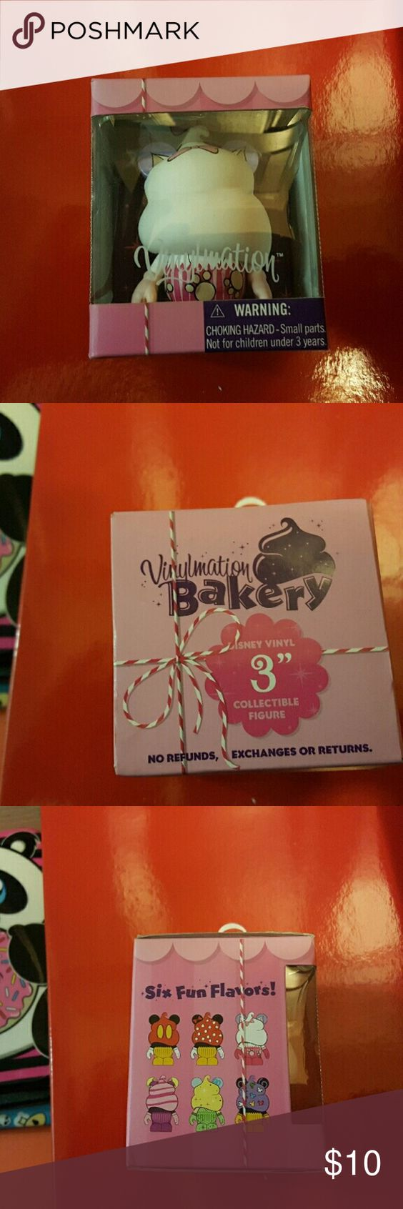 Vinylmation Bakery vinylmation. Brand new. Never been opened. Cat cupcake version. Other
