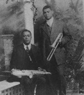 """Big Eye"" Louis Nelson Delisle, seated, and Freddie Keppard"