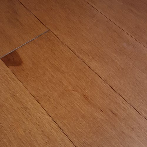 Hardwood Floors White Mountain Hardwood Flooring 1 2 In X 5 3 16 In Woodstock Click Lock Collection Maple Spice Hardwood Floors Flooring Hardwood Floor Colors