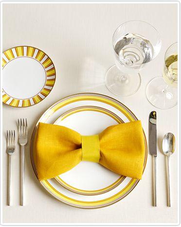 bow tie napkins. precious.