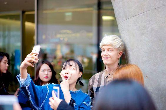 STREETSTYLE_Seoul-Fashion-Week-FW15_Part1_fy58