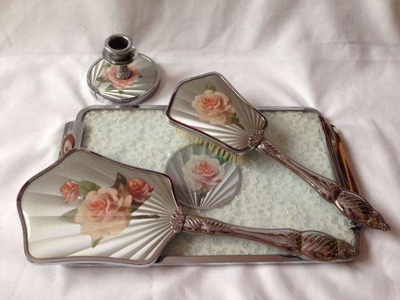 Beautiful Vintage Roses Dressing Table Set Nylon Made In England With Tray