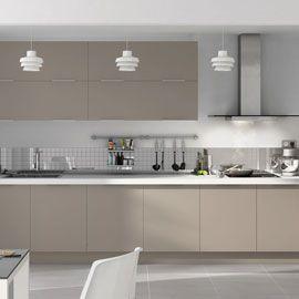 armoires gris taupe avec comptoir plus ple jaime beaucoup lide du - Cuisine Blanc Gris Taupe