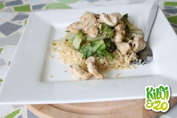 Rijst met gestoomde groenten en kip