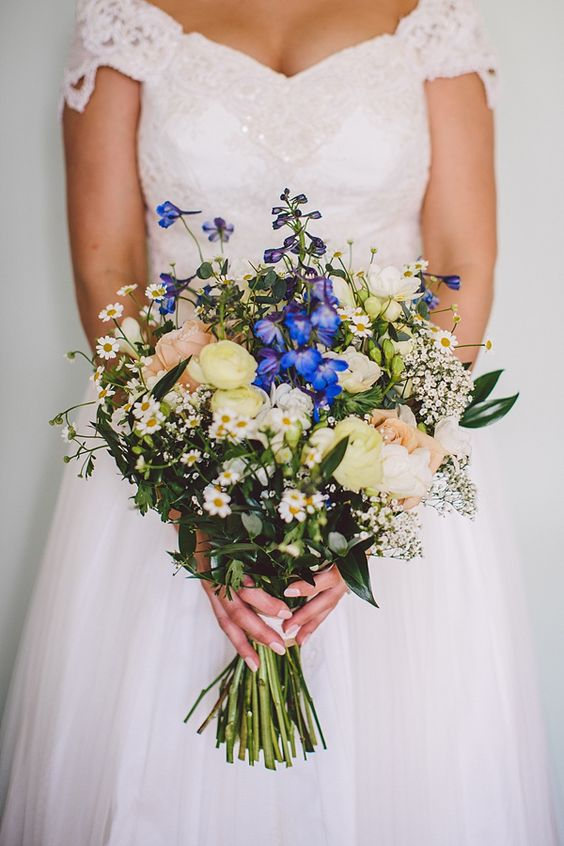 Wild spring flower bouquet. Photography by www.gillianhigginsphotography.com