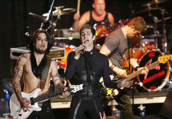 "Jane's Addiction.  Perry Ferrell and the Boys put on a really great show as the headliner of Day 2 at Sasquatch 2009!!  ""Just like having sex with a midget!""~Perry"