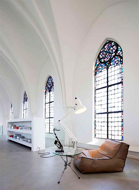 """The Ultimate in Upcycling: Homes in Converted Churches"" Ever since I saw a special on HGTV where someone did this, I have always dreamed of converting an old church into a house someday! So cool! #ApartmentTherapy:"