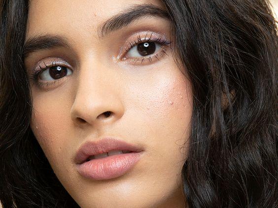 'Cloud Skin': nova tendência de maquiagem promete a pele dos sonhos
