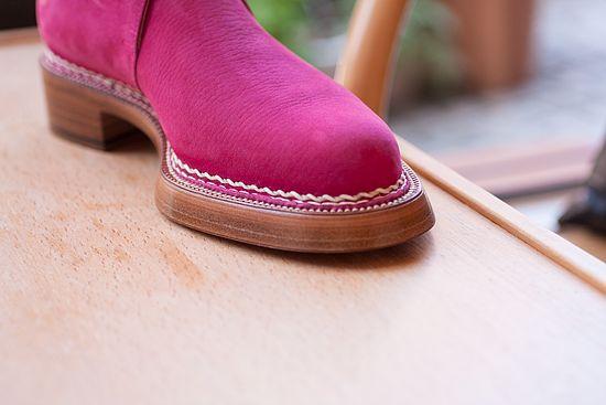 Sole stitches -  Tye shoemaker