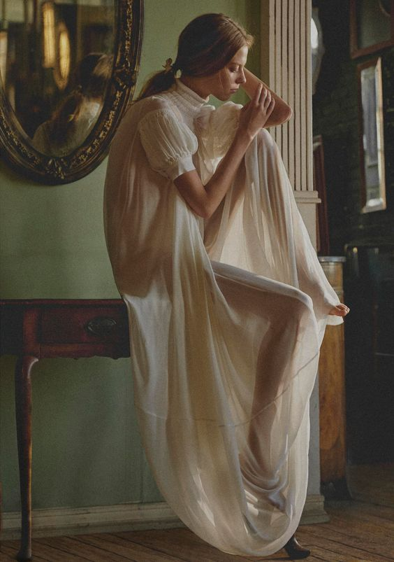 Model Lexi Boling is styled by Carolyn Murphy in pure femininity for 'Blithe Spirit'. Photographer Sebastian Sabal-Bruce is behind the lens for Porter Magazine #26 Summer 2018./ Hair by Edward Lampley; makeup by Allie Smith.