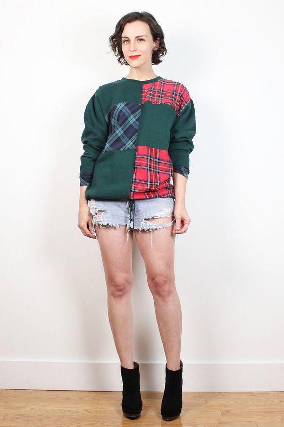 Vintage 90s Sweatshirt Dark Hunter Green Red Blue Tartan Plaid Patchwork Soft Grunge Sweater 1990s Boyfriend Sweater Hipster Pullover M L #vintage #etsy #1990s #90s #soft #grunge #plaid #sweatshirt #tartan #flannel #cotton #hipster #boyfriend #tshirt #sweater