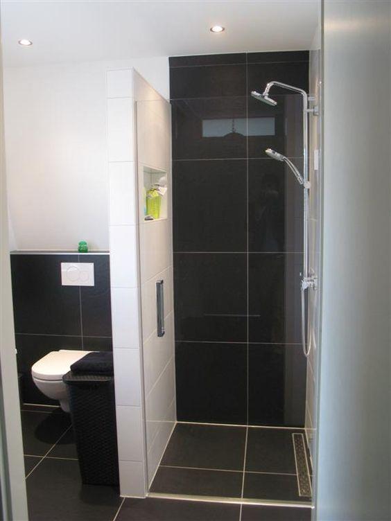 Tijdloze badkamer voorzien van inloopdouche en wc badkamers pinterest toilets met and van - Kleine badkamer wc ...