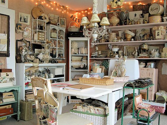Love her studio space! The burlap on the walls really makes it so vintage
