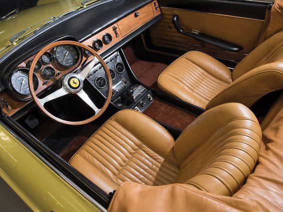 1968 Ferrari 330 GTS | V12, 3 967 cm³ | 300 BHP | Design: Pininfarina | Engine: Gioacchino Colombo